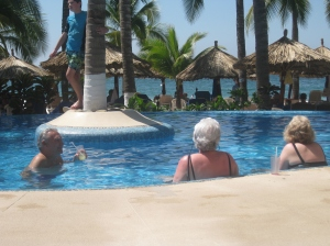 The Senor entertaining some of the ladies in the pool