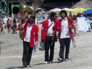 Playa Las Gatas Marching Band ?