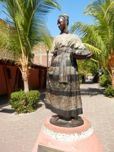 One of the beautiful statues in Zihuatanejo