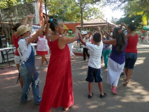 circle dancing at the Eco Tianguis