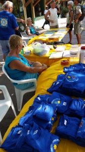 Selling Sailfest  t-shirts with Bonnie