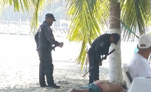 Policia at work
